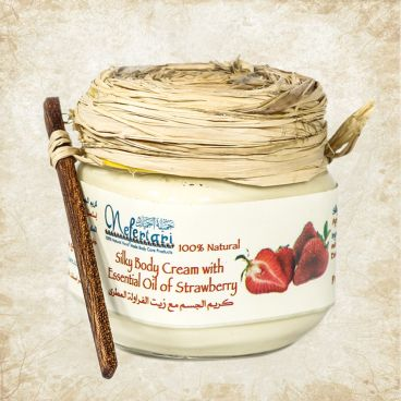 Body cream with essential oil of strawberry