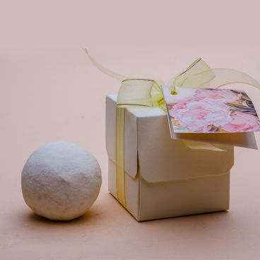 Bath Fizz ball with White Musk